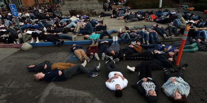 300 US schools expected to organize walkouts